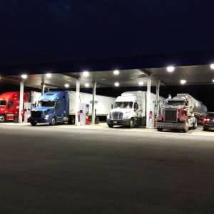 Fueling up with the Big Rigs